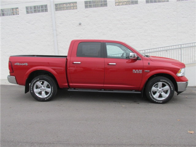 2018 Ram 1500 Crew Cab 4x4 Pickup #8D0220 - photo 3