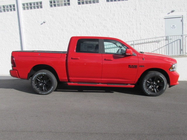 2018 Ram 1500 Crew Cab 4x4 Pickup #8D0285 - photo 3