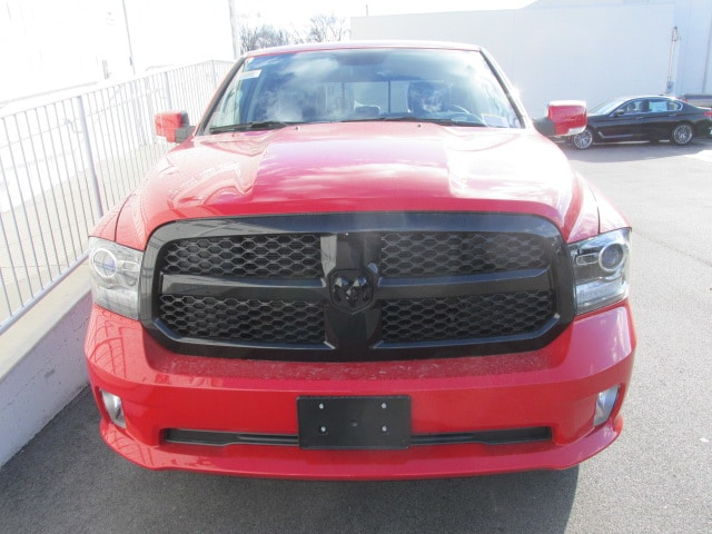 2018 Ram 1500 Crew Cab 4x4 Pickup #8D0285 - photo 8