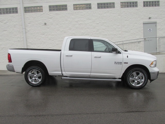 2018 Ram 1500 Crew Cab 4x4, Pickup #8D0338 - photo 3