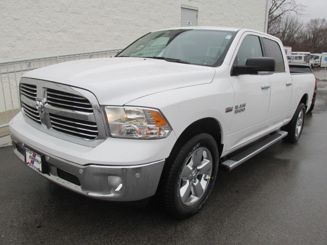 2018 Ram 1500 Crew Cab 4x4, Pickup #8D0338 - photo 7