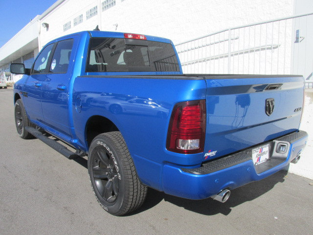 2018 Ram 1500 Crew Cab 4x4, Pickup #8D0358 - photo 4