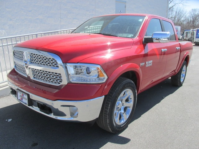 2018 Ram 1500 Crew Cab 4x4, Pickup #8D0527 - photo 5