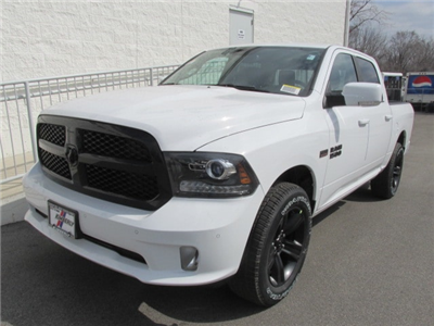 2018 Ram 1500 Crew Cab 4x4, Pickup #8D0575 - photo 5