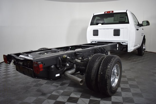 2018 Ram 3500 Regular Cab DRW 4x4,  Cab Chassis #M181276 - photo 5