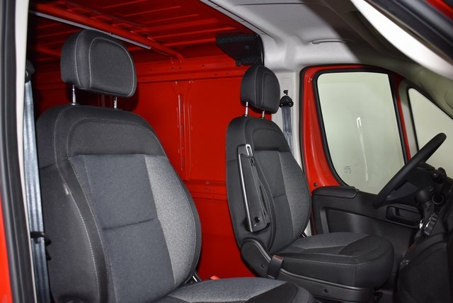 2018 ProMaster 1500 Standard Roof FWD,  Empty Cargo Van #M181311 - photo 32