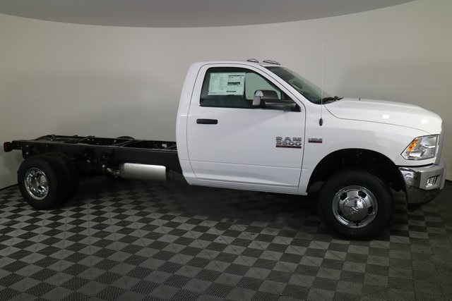 2018 Ram 3500 Regular Cab DRW 4x4,  Cab Chassis #M181326 - photo 6