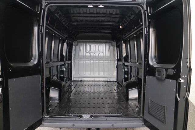 2018 ProMaster 3500 High Roof FWD,  Empty Cargo Van #M181348 - photo 2
