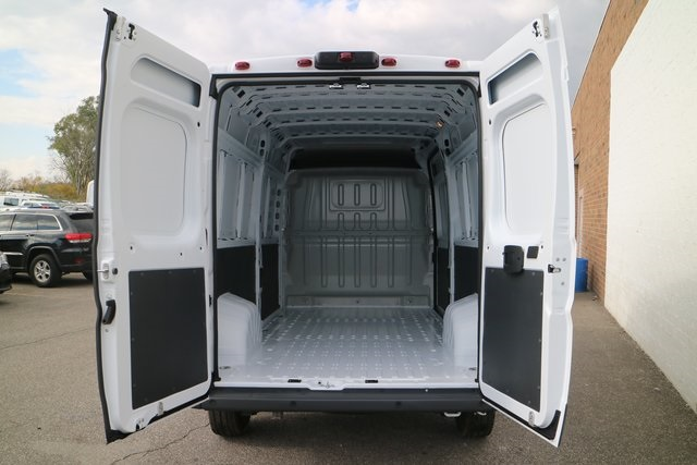 2018 ProMaster 3500 High Roof FWD,  Empty Cargo Van #M181366 - photo 2