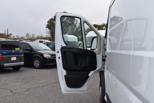 2018 ProMaster 2500 High Roof FWD,  Empty Cargo Van #M181379 - photo 22