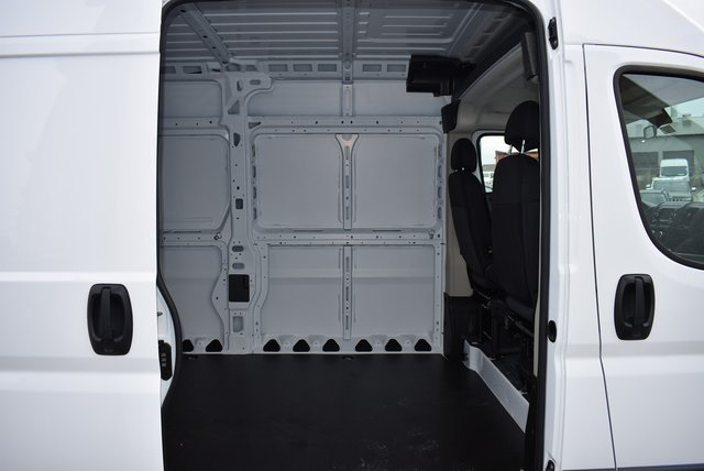 2018 ProMaster 2500 High Roof FWD,  Empty Cargo Van #M181379 - photo 24