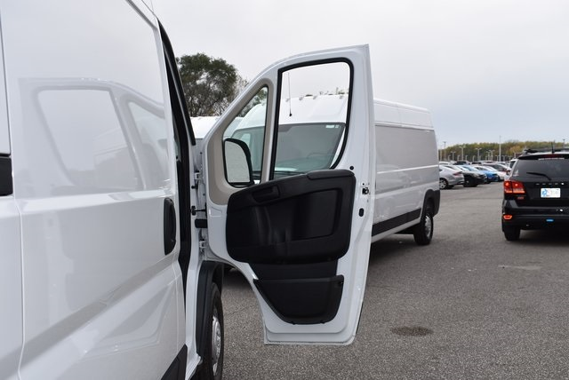 2018 ProMaster 2500 High Roof FWD,  Empty Cargo Van #M181379 - photo 28