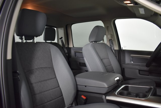 2019 Ram 1500 Crew Cab 4x4,  Pickup #M19411 - photo 33