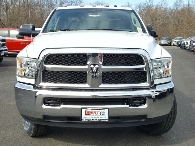 2017 Ram 3500 Crew Cab 4x4, Pickup #617169 - photo 9