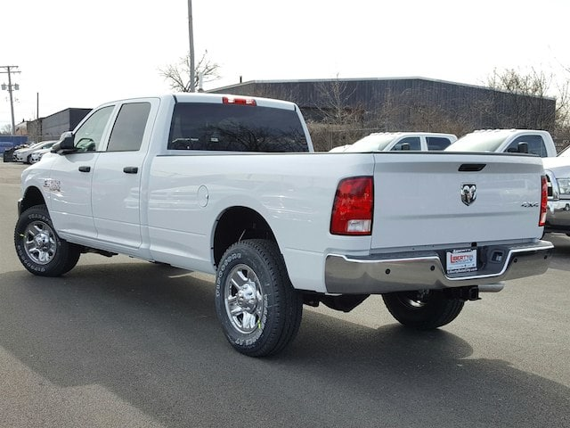 2017 Ram 3500 Crew Cab 4x4, Pickup #617169 - photo 10