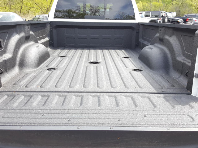 2017 Ram 3500 Crew Cab 4x4, Pickup #617225 - photo 6