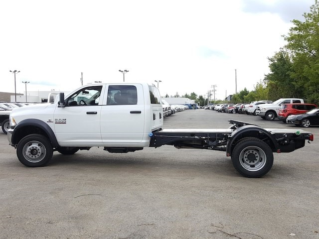 2017 Ram 5500 Crew Cab DRW Hauler Body #617280 - photo 3