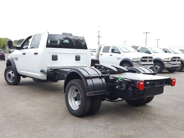 2017 Ram 5500 Crew Cab DRW Hauler Body #617280 - photo 4