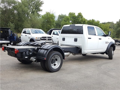 2017 Ram 5500 Crew Cab DRW Cab Chassis #617280 - photo 11