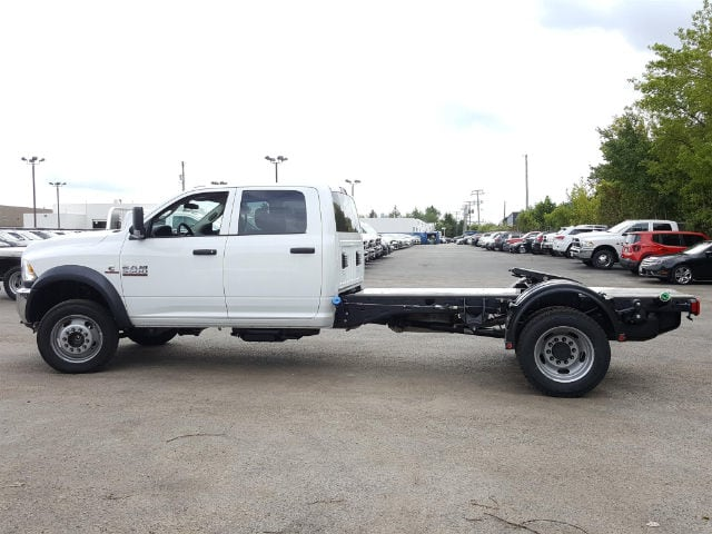 2017 Ram 5500 Crew Cab DRW Cab Chassis #617284 - photo 3