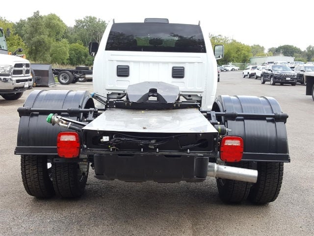 2017 Ram 5500 Crew Cab DRW, Hauler Body #617284 - photo 5