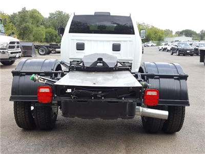 2017 Ram 5500 Crew Cab DRW Cab Chassis #617284 - photo 4