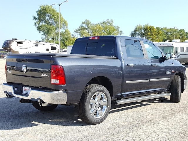 2017 Ram 1500 Crew Cab 4x4 Pickup #617301 - photo 2