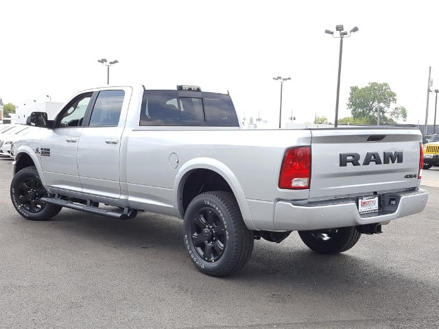 2017 Ram 3500 Crew Cab 4x4, Pickup #617340 - photo 4