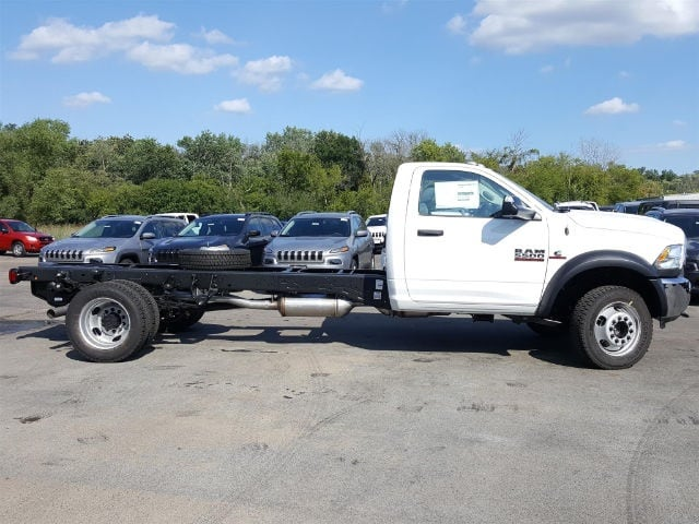 2017 Ram 5500 Regular Cab DRW 4x4 Cab Chassis #617345 - photo 6