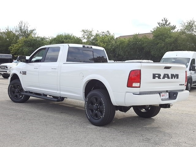 2017 Ram 3500 Crew Cab 4x4, Pickup #617347 - photo 4