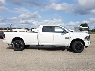 2017 Ram 3500 Crew Cab 4x4, Pickup #617347 - photo 7