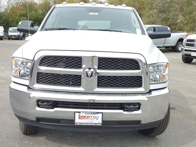 2018 Ram 3500 Regular Cab DRW, Cab Chassis #618004 - photo 3