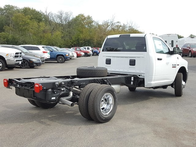2018 Ram 3500 Regular Cab DRW, Cab Chassis #618006 - photo 9