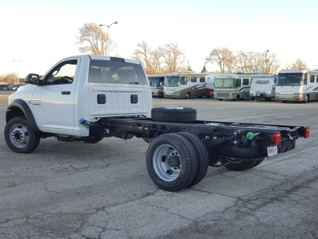 2018 Ram 5500 Regular Cab DRW Cab Chassis #618076 - photo 2