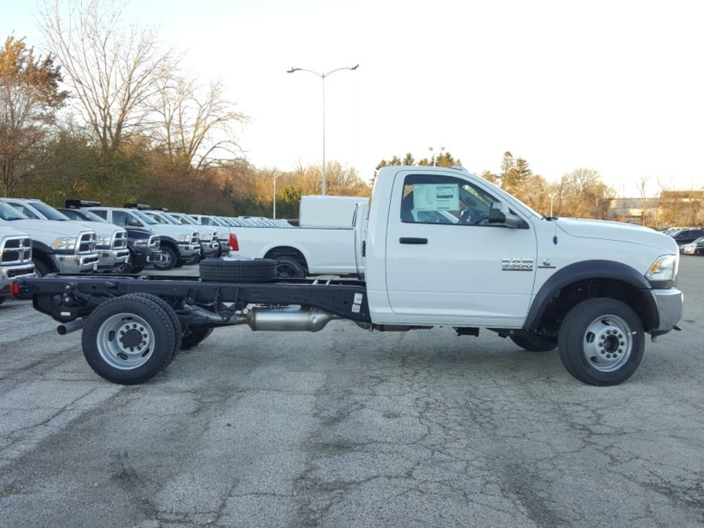 2018 Ram 5500 Regular Cab DRW Cab Chassis #618076 - photo 5