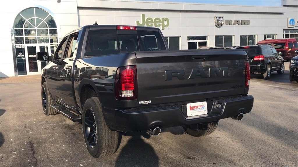 2018 Ram 1500 Crew Cab 4x4, Pickup #618092 - photo 20