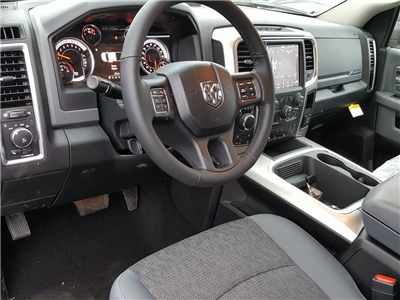 2018 Ram 1500 Crew Cab 4x4, Pickup #618152 - photo 12