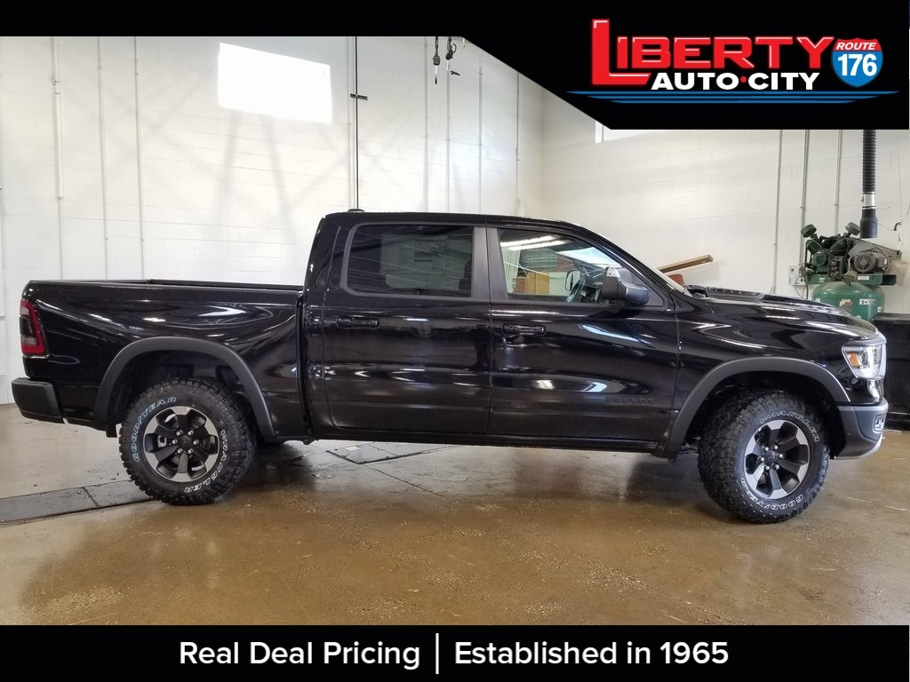 2019 Ram 1500 Crew Cab 4x4,  Pickup #619027 - photo 8