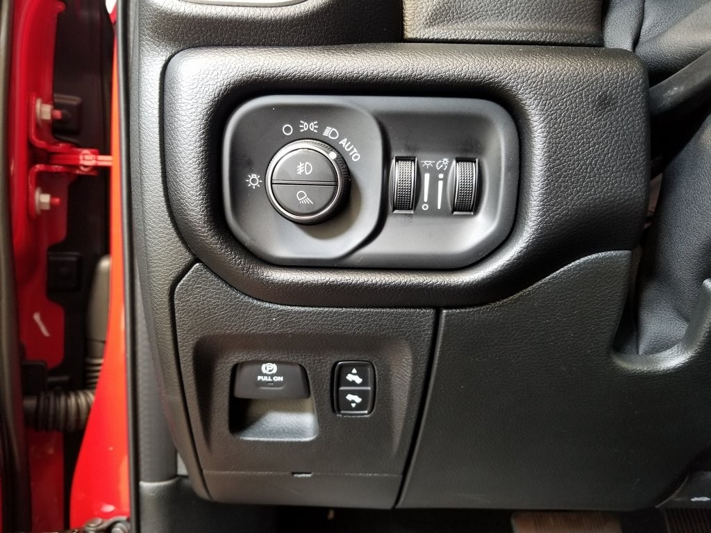 2019 Ram 1500 Crew Cab 4x4,  Pickup #619034 - photo 16