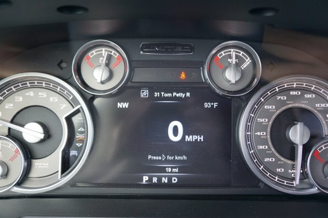 2017 Ram 1500 Crew Cab 4x4 Pickup #C70784 - photo 10
