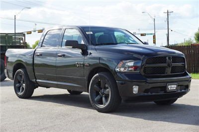 2018 Ram 1500 Crew Cab, Pickup #C80142 - photo 5