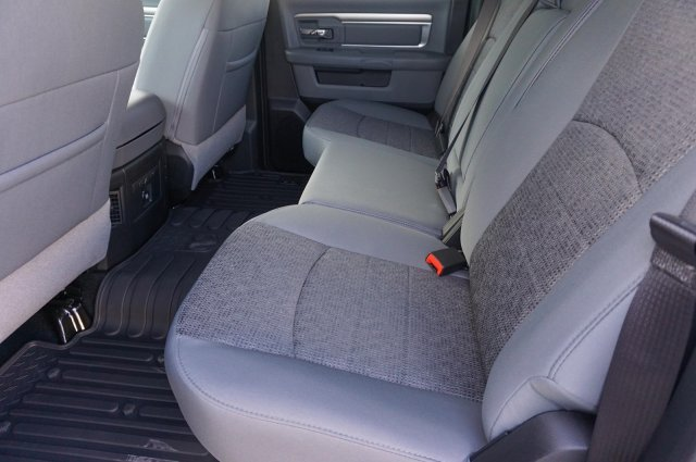 2018 Ram 1500 Crew Cab, Pickup #C80239 - photo 18