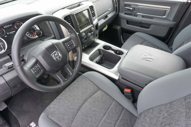 2018 Ram 1500 Crew Cab, Pickup #C80299 - photo 6