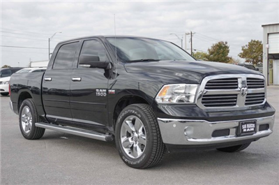 2018 Ram 1500 Crew Cab, Pickup #C80299 - photo 5