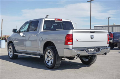 2018 Ram 1500 Crew Cab Pickup #C80332 - photo 2