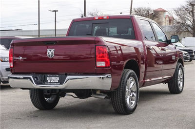 2018 Ram 1500 Crew Cab Pickup #C80430 - photo 5