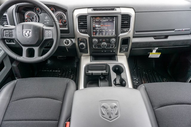 2018 Ram 1500 Crew Cab, Pickup #C80530 - photo 16