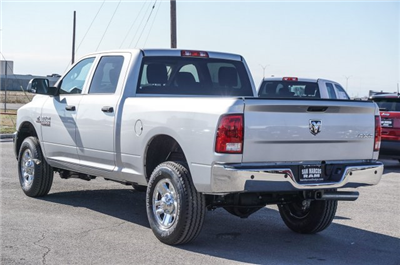 2018 Ram 2500 Crew Cab 4x4, Pickup #C80560 - photo 2