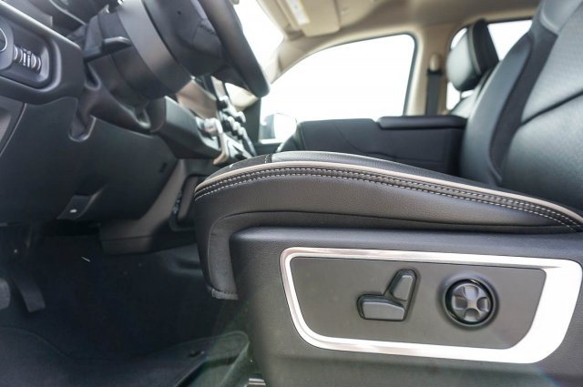 2019 Ram 1500 Crew Cab 4x4,  Pickup #C90025 - photo 13