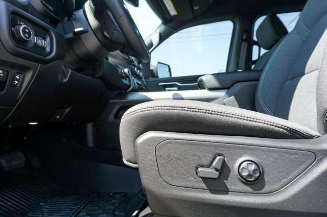 2019 Ram 1500 Crew Cab 4x2,  Pickup #C90073 - photo 13